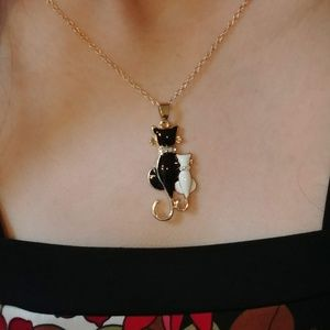 Jewelry - Contrasting Cat Necklace